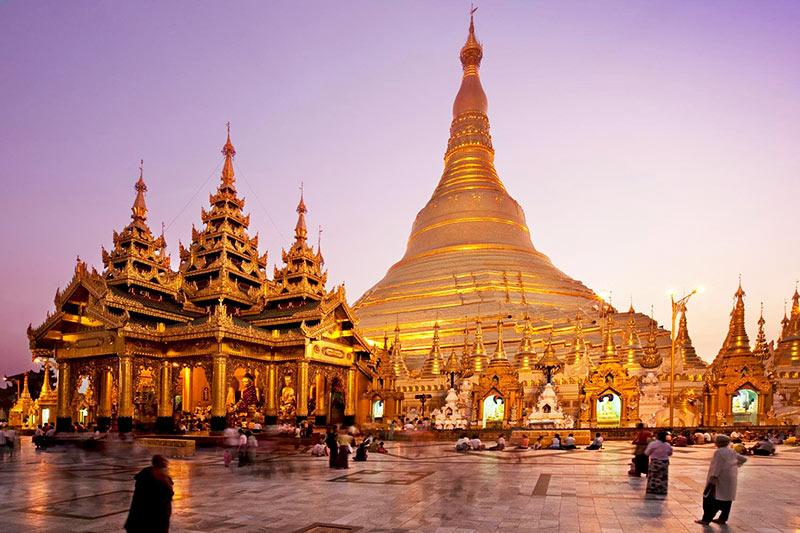 Shwedagon-Pagoda-en-Yangon-Birmania-Viajes