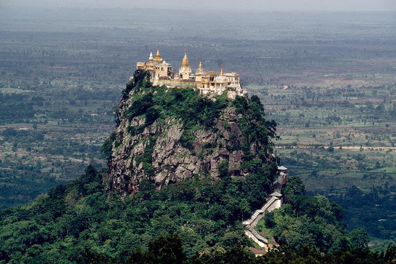 Monte Popa, Bagan - Myanmar